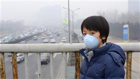 خبراء: تلوث الهواء أخطر من جائحة كورونا