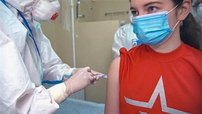 روسيا تعلن الانتهاء من تطوير لقاح ضد كورونا.. وموعد بدء عمليات التطعيم السكاني