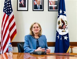 السفيرة الأمريكية عن الغزو: كان غزوًا مدمرًا