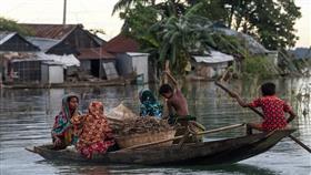 الفيضانات تغمر ثلث بنغلادش وتودي بحياة المئات في الهند ونبيال