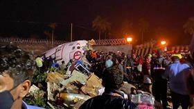 انشطار طائرة هندية.. وسقوط ضحايا