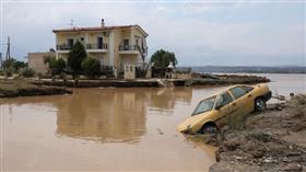 مصرع 5 أشخاص جراء فيضانات اجتاحت جزيرة ايفيا اليونانية