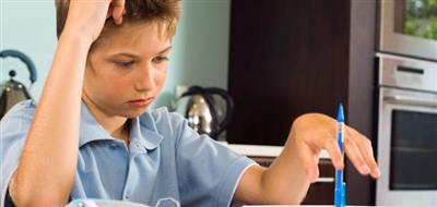 طفلي يتذمر من العودة إلى «التعليم عن بعد»