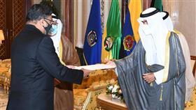 نائب الأمير يتسلم أوراق اعتماد عدد من السفراء