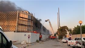 أكثر من 300 رجل إطفاء يتعاملون مع حريق منطقة الصباح الصحية