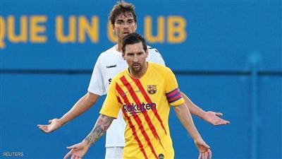 ميسي يقود برشلونة للفوز في أول مباراة تجريبية لكومان