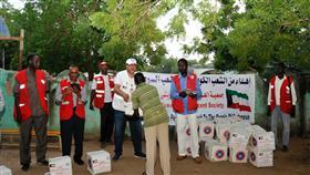 الهلال الأحمر الكويتي ينشئ مخيم إيواء ثاني لمتضرري الفيضانات بالسودان