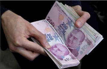 الليرة التركية إلى أدنى مستوياتها على الإطلاق مقابل الدولار