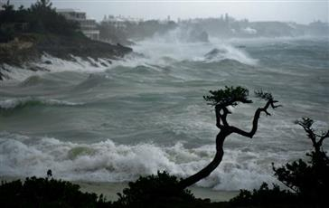 العاصفة الاستوائية «بيتا» تتحول لمنخفض جوي فوق ساحل ولاية تكساس