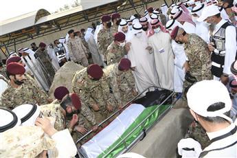 ثرى الكويت احتضن.. «قائد الإنسانية»