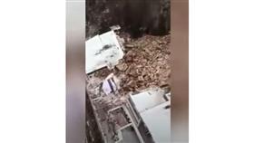 انهيار أرضي يدمر أحد الفنادق في إيطاليا