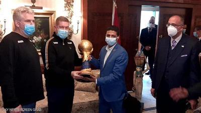كأس العالم لكرة اليد يصل مطار القاهرة