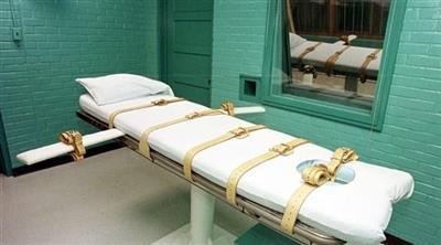 القضاء الأمريكي يرجئ إعدام سجينين لإصابتهما بكورونا