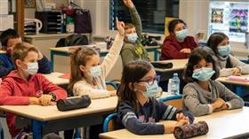 المستشار العلمي الفرنسي: لا داعي لإغلاق المدارس رغم السلالة الجديدة من كورونا