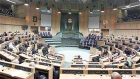 البرلمان الأردني يمنح الثقة لحكومة بشر الخصاونة