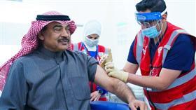 رئيس الوزراء يتلقى الجرعة الثانية من اللقاح