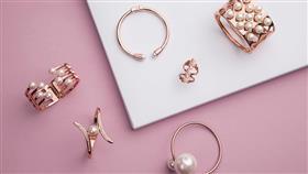 اختاري مجوهراتكِ من الذهب الوردي