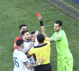 اتحاد كرة القدم في أمريكا الجنوبية يوقف ميسي 3 أشهر بعد تصريحاته خلال بطولة كوبا أمريكا